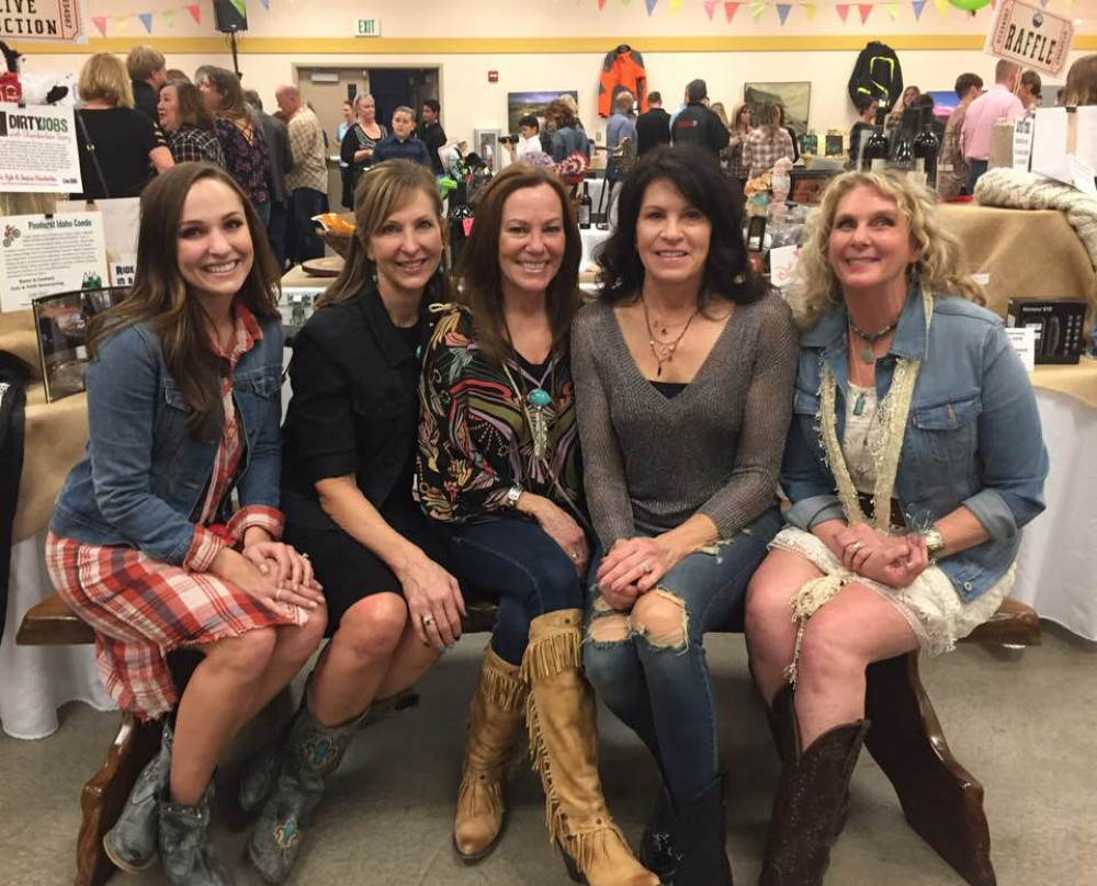 COUNTRY SWEETHEARTS Benefit Dinner, Dance & Auction - February 02, 2019